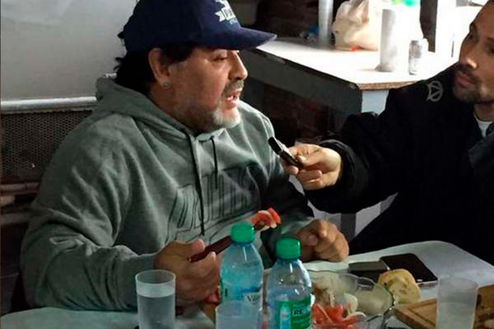 La Pepu persigue en taxi a Maradona