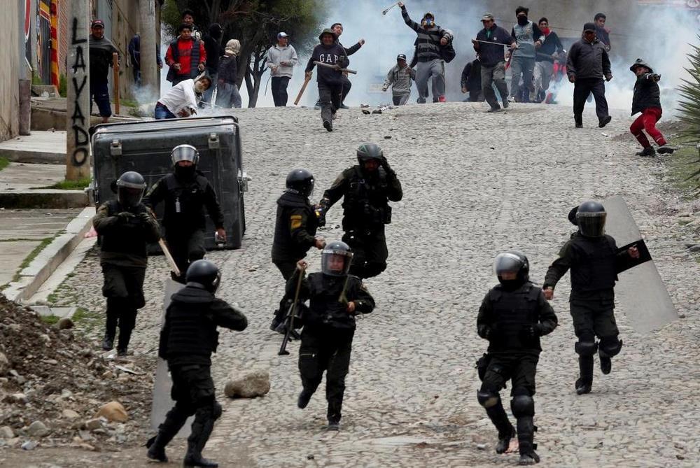 Una larga caminata en Bolivia entre fogatas y barricadas